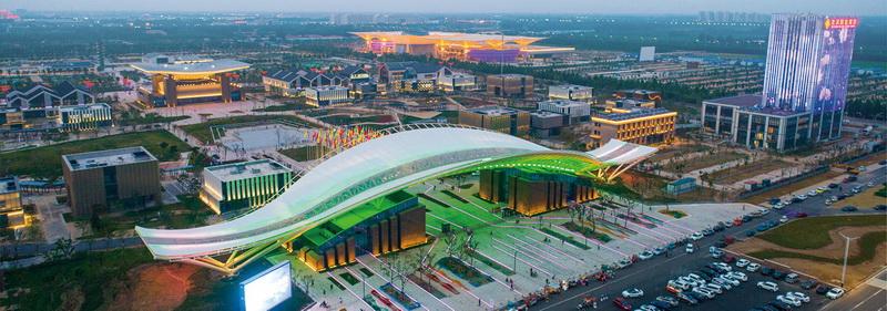 德州太阳能小镇:璀璨夜景美如科幻大片