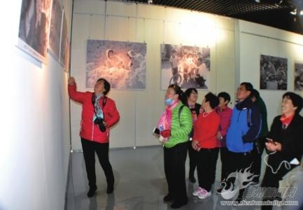 庆祝改革开放40周年徐洪铎摄影展开展
