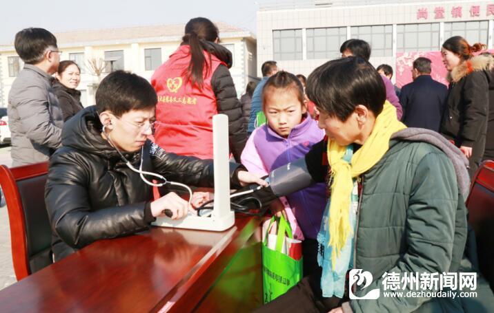 庆云把文化法律科技卫生知识送到群众家门口