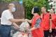 德城蒜农患癌  66名义工1天买了2万多头蒜