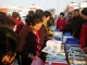 图书进社区,群众高赞扬