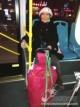情暖公交司机  八旬老人专为公交驾驶员送桔子