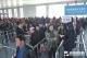 """春运首日""""三站""""客流平稳  铁路发送旅客1.6万余人次"""