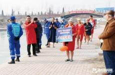 """""""印象大薛庄""""冬泳表演赛迎新年"""