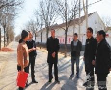 山农大专家组到兴隆镇指导农业发展