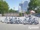 垃圾隨處見,單車擠成堆 學院步行街附近環境惹人煩