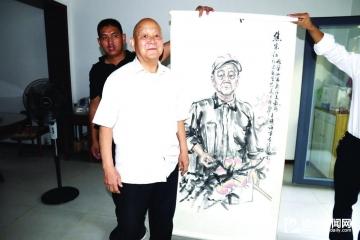 画像送模范 笔墨传美德——县委宣传部走访慰问道德模范