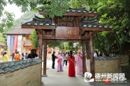广西河池市反邪教宣传走进刘三姐山歌会