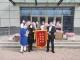 """愛心花(hua)店(dian)攜手(shou)""""花(hua)粉""""︰500余束鮮(xian)花(hua)獻給醫務(wu)工作者(zhe)"""