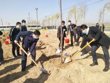 乐虎国际电子游戏市领导到陵城区参加义务植树活动
