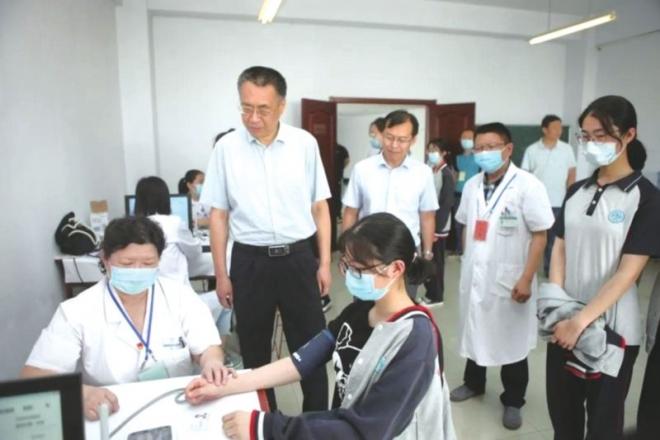 亚博体育app安卓市立医院:为4160名高考生进行体检