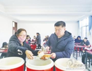 浩玥餐饮办事有限公司总经理李刚:爱心餐要一直送下去