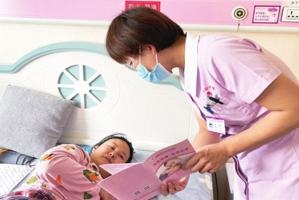 临邑县妇幼保健院开展母乳喂养日宣传活动