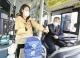 新规出台后不少市民优先选择公交出行——各线路客流量平均增三成
