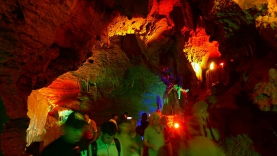山东萤火虫水洞•地下大峡谷旅游区冲刺国家5A级景区