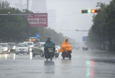 """德州各级各部门全力应对台风天气:无惧风雨逆向行 众志成城战""""烟花"""""""